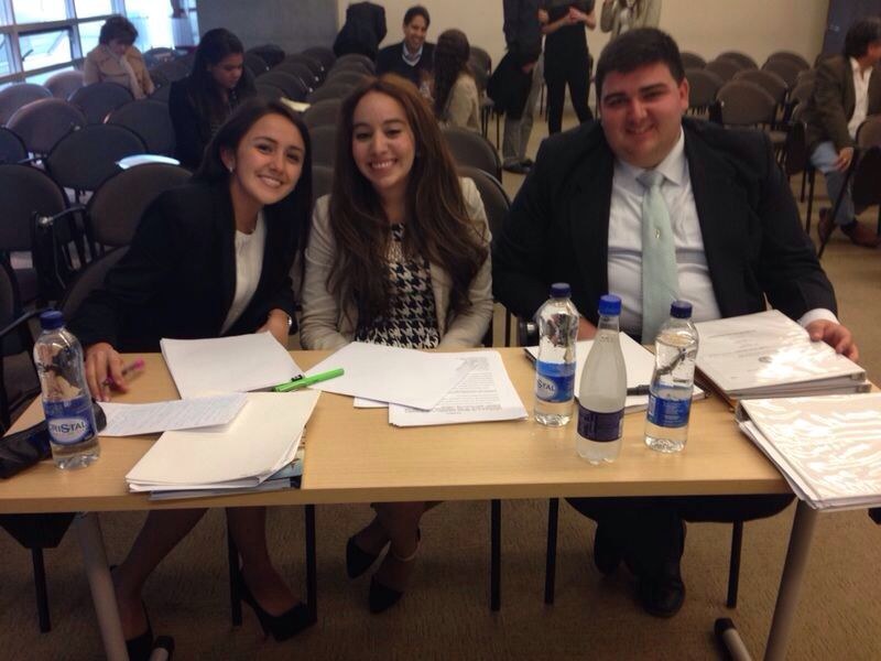 Paola Patarroyo, Andrea Rojas y Charles Muller